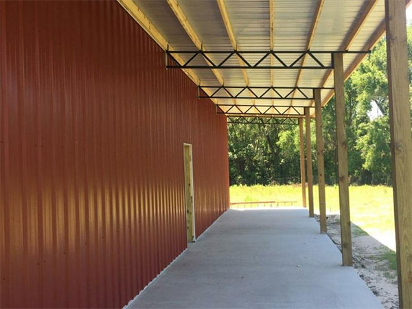 Closed Pole Barn Construction in Florida.