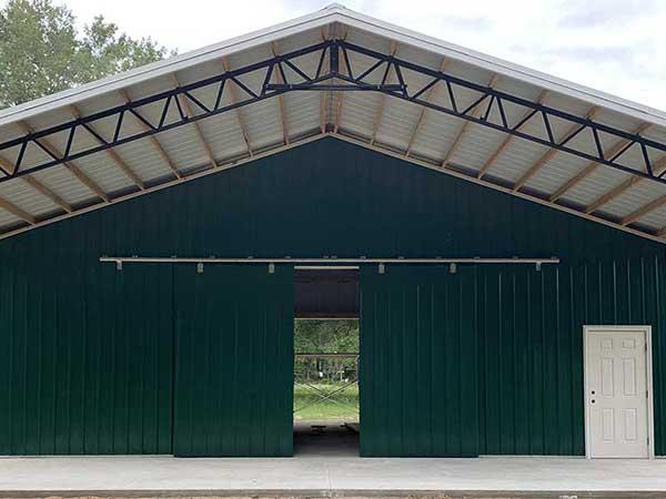 Florida Closed Pole Barn.
