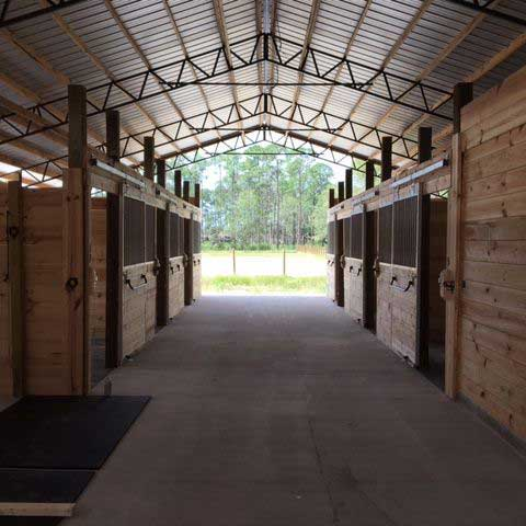 Loafing Barns and Sheds in Florida.